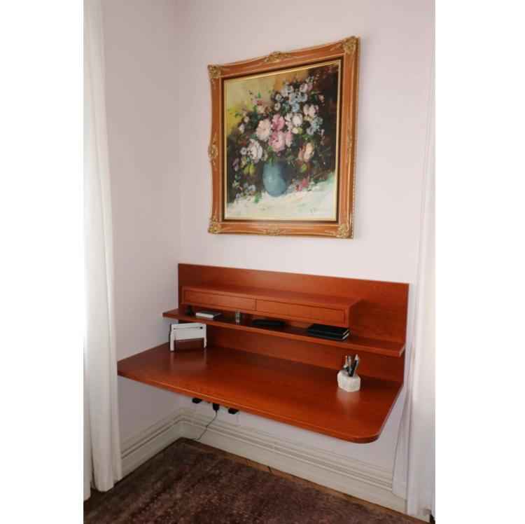 Schreibtisch in Kirschbaum
