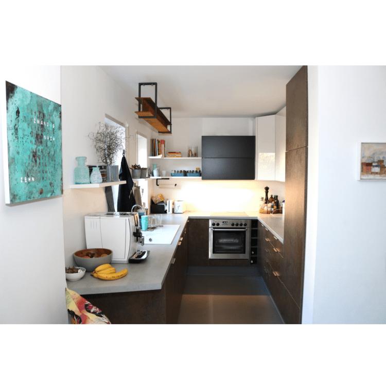 Küche mit Materialmix